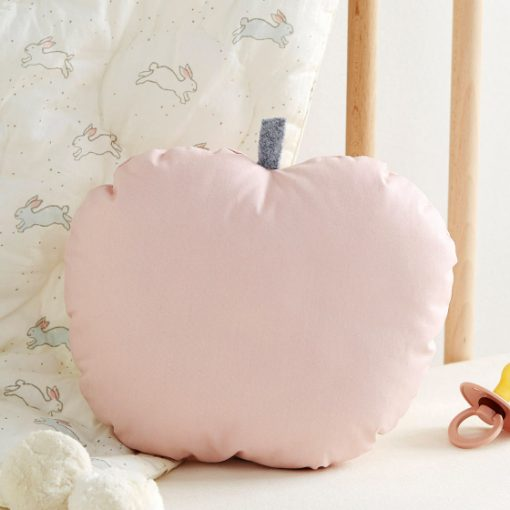 coussin pomme rose