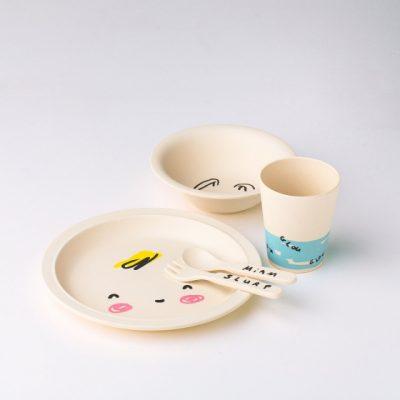 vaisselle kawai pour bebe